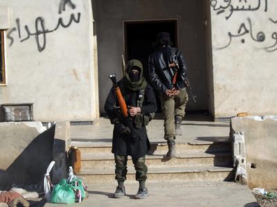अल-बाब में IS लड़ाके (तस्वीर: रॉयटर्स)