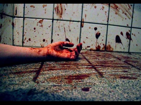 अवैध संबंध के शक में पति ने हथौड़े से की हत्या