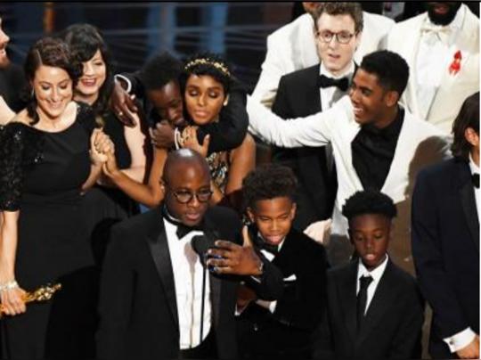 অস্কার ব্লান্ডার: সেরা ছবি লা লা ল্যান্ড... Oops, মুনলাইট