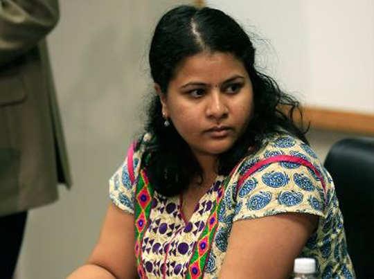 अमिताभ, शाहरुख ने मृत इंजिनियर की पत्नी की FB पोस्ट पर नहीं दी कोई प्रतिक्रिया