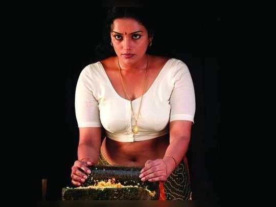 அதிரடி ஆக்சனில் இறங்கியிருக்கும் ஸ்வேதா மேனன்!