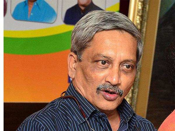 Manohar Parrikar steps down as Defence Minister, to be sworn in as Goa chief minister tomorrow