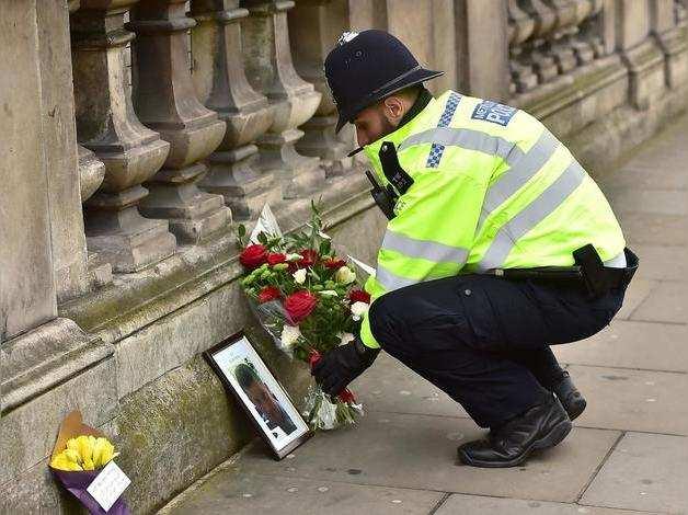 policeman-westminster