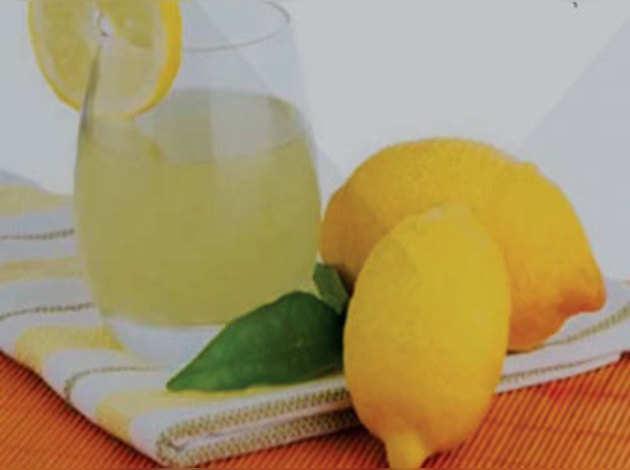 नींबू का रस रोज पीने से रहेंगे सेहतमंद
