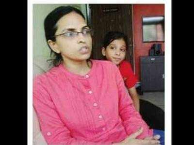 अनीता कुमार ने नकली अंडों की रिपोर्ट कराई