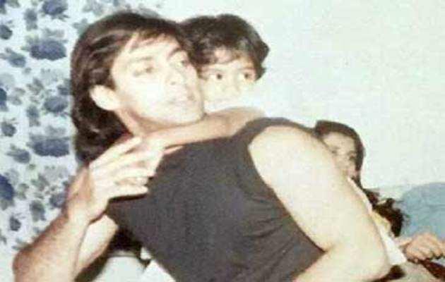 देखें: सलमान और अर्पिता खान की यह पुरानी तस्वीर