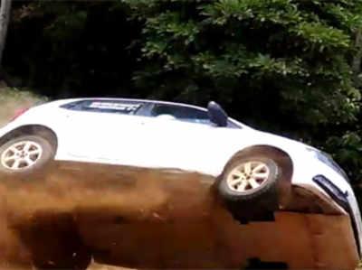 कर्नाटक विधायक के बेटे की कार दुर्घटना में बाल-बाल बची जान