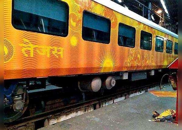 मुंबई-गोवा रूट पर जून में लॉन्च होगी हाईटेक तेजस एक्सप्रेस