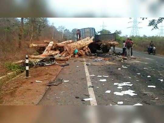 கர்நாடகாவில் லாரியை ஓவர்டேக் செய்ய முயன்ற கார் விபத்து: 7 பேர் பலி