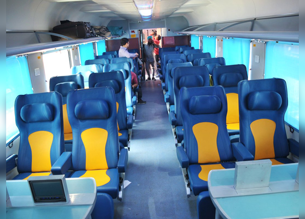 सीटों के डिजाइन में किया गया बदलाव