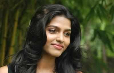 Dhansika32945