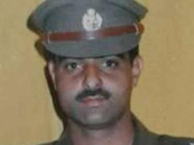 डीएसपी मोहम्मद अयूब पंडित की भीड़ ने पीट-पीटकर हत्या कर दी थी।