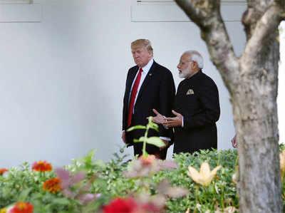 मोदी-ट्रंप की मुलाकात पर प्रतिक्रिया करते हुए चीनी मीडिया ने लिखा है कि US द्वारा नई दिल्ली को दी जा रही सामरिक सहायता में गंभीरता नहीं है...
