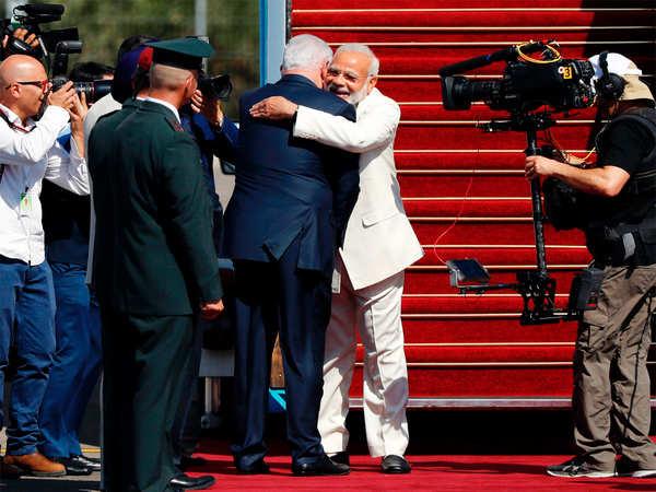 aapka swaagat hai mere dost says netanyahu while welcoming pm modi in israel