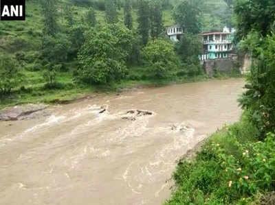 उत्तराखंड में बारिश से बाढ़ के हालात