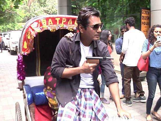 नवाज़ुद्दीन सिद्दीकी के साथ न्यूयॉर्क में 'लुंगी डांस'