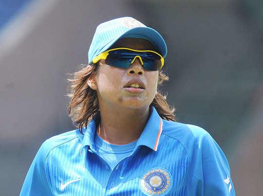 सचिन ने की महिला क्रिकेटरों से मुलाकात, झूलन को बताया प्रेरणास्रोत