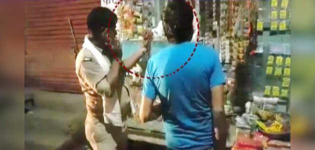 कैमरे में कैद: नशे में धुत पुलिसकर्मी मुजरिम के साथ खरीद रहे तंबाकू