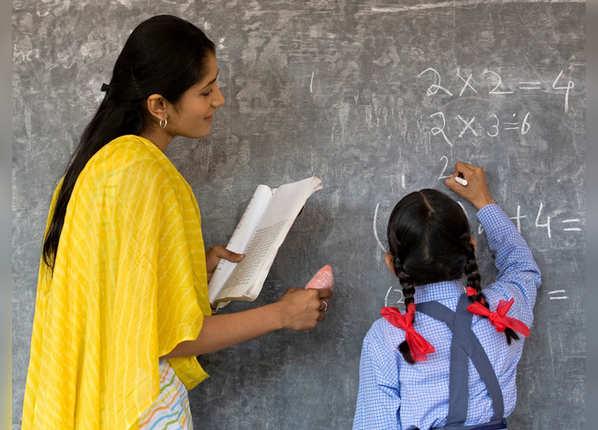 अपने बच्चे के टीचर्स से मिलें
