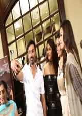 dhanush new tamil movie vip 2 velaiyilla pattathari review