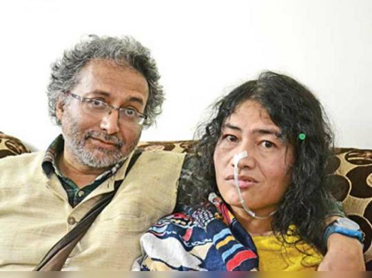 সংসারী শর্মিলা, ব্রিটিশ প্রেমিককে বিয়ে করলেন আয়রন লেডি