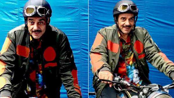 dharmendra debuts on twitter shares first look from yamla pagla deewana 3