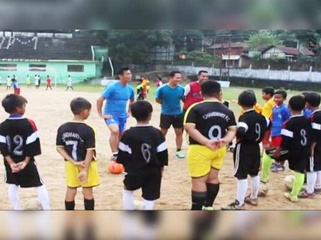 बाइचुंग भूटिया ने मेघालय में फुटबॉल स्कूल का किया उद्घाटन
