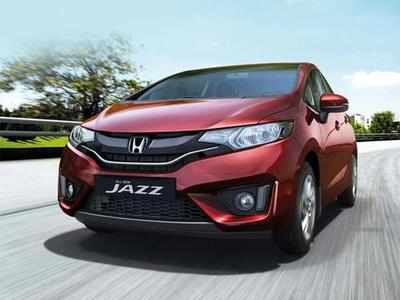 All the variants of the Jazz Privilege Edition are equipped with dual front airbags, Anti-lock Braking System, Touch Panel for automatic AC, rear camera, alloy wheels, multi-information meter, electrically adjustable Mirrors with turn indicators and paddle shift for the CVT variant.