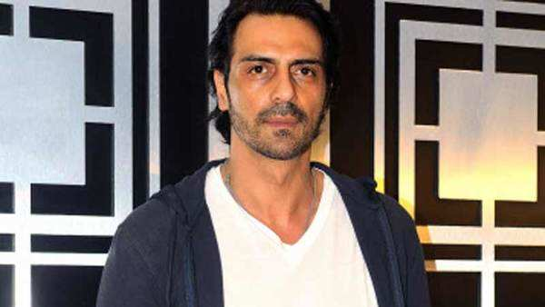 arjun rampal hosts special screening of daddy