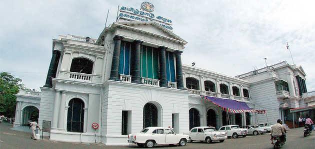 मद्रास हाईकोर्ट ने तमिलनाडु विधानसभा में 20 सितंबर तक फ्लोर टेस्ट होने पर लगाई रोक