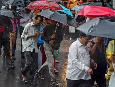 मंगलवार को भी कई इलाकों में काफी बारिश हुई।