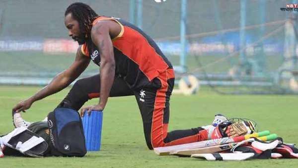 रसल की आंधी में बिखरी दिल्ली, 71 रन से गंवाया मैच