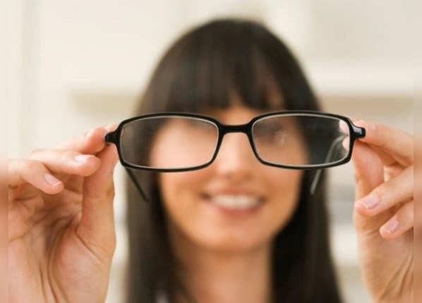 नजर कमजोर है तो खान-पान पर दें ध्यान