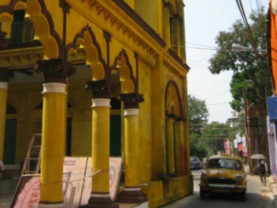 কীভাবে কম খাটুনিতে সেরা পুজোগুলি দেখবেন কলকাতায়