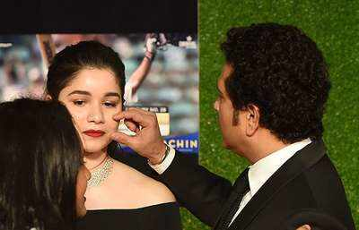 Sachin Tendulkar with his daughter Sara Tendulkar
