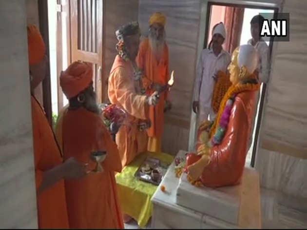 गोरखधाम मंदिर में सीएम ने किया विशेष पूजन