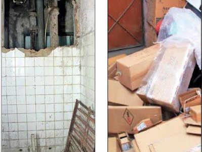 दुर्गा टावर के इसी रास्ते से गोदाम में आए चोर।