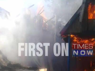 कश्मीर: पूर्व सरपंच की हत्या के एक दिन बाद अब आतंकियों ने जलाया घर