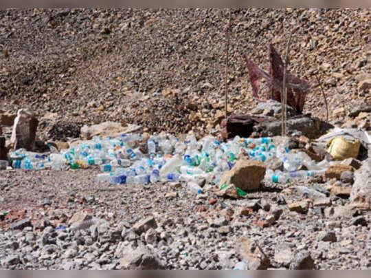 পরিবেশ বাঁচাতে সিকিমে নিষিদ্ধ প্যাকেজ্ড জলের বোতল