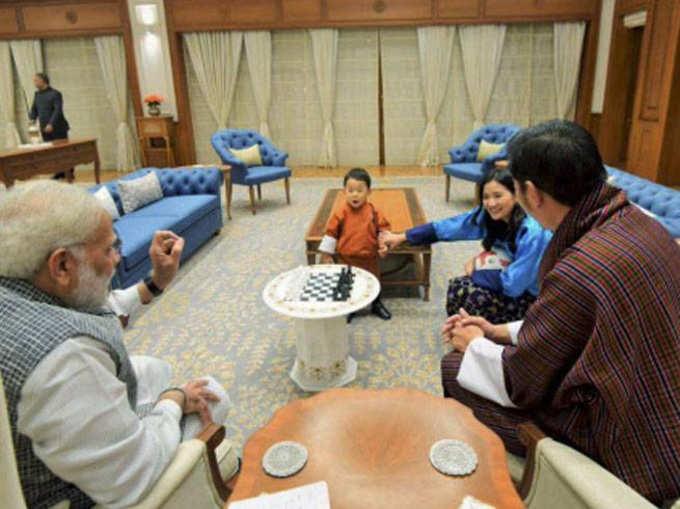 भारतभेटीवर राजकुमार, मोदी-सुषमांकडून पाहुणचार