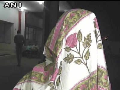 विदेशी महिला ने बैंक मैनेजर पर लगाया रेप का आरोप