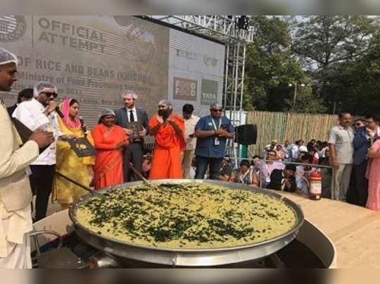 একপাত্রে ৯১৮ কেজির খিচুড়ি! নয়া নজিরে গিনেসে ভারত