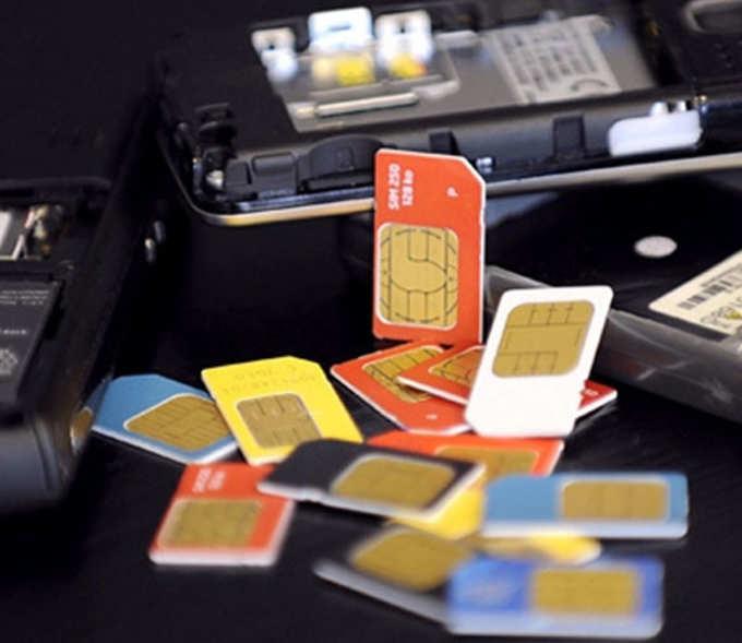 आधार कार्ड - सिम कार्ड जोडण्यासाठी हे लक्षात ठेवा