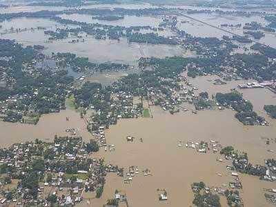 असम में इस साल आई भीषण बाढ़ का दृश्य।