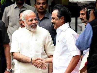 नरेंद्र मोदी और डीएमके नेता स्टालिन।