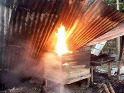 हिंदुओं के घरों में लगाई आग (फाइल फोटो)