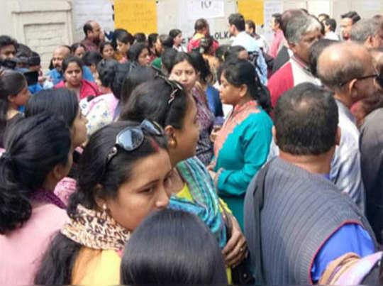 অব্যাহতি অধ্যক্ষাকে, আজ থেকে খুলছে জি ডি বিড়লা স্কুল