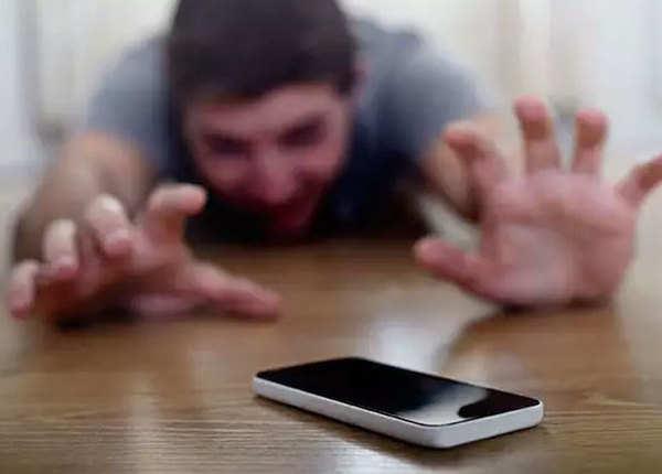 फोन खोने का डर- नोमोफोबिया