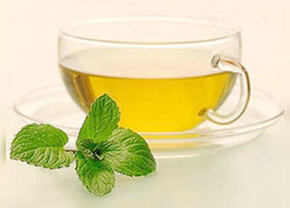 सर्दी-जुखाम से बचाती है तुलसी की चाय
