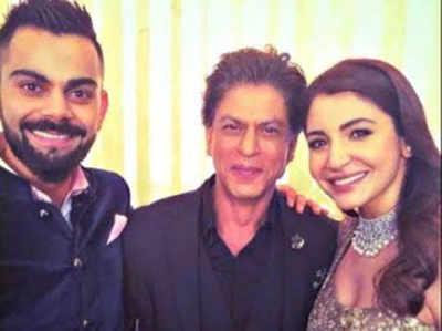 शाहरुख के साथ विराट और अनुष्का (सोर्स- ट्विटर)